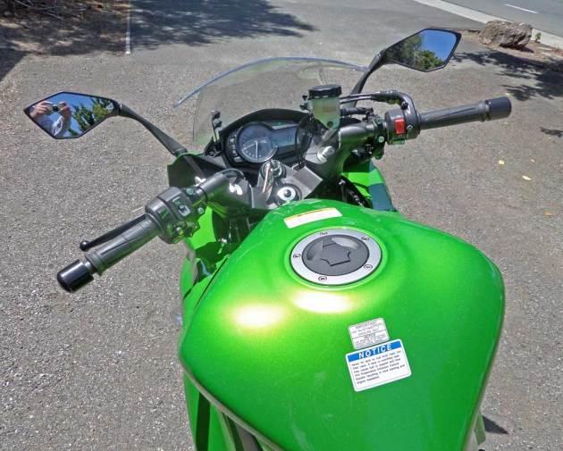 Kawasaki-Ninja-1000-Cntrls
