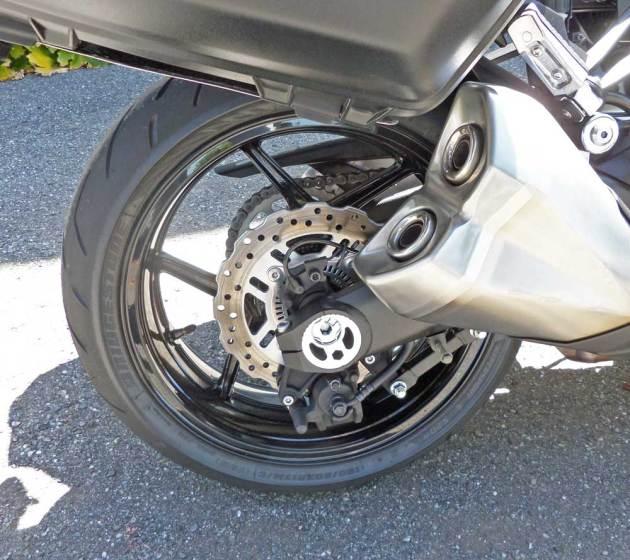 Kawasaki-Ninja-1000-RWhl