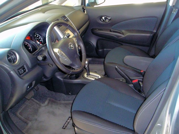 2015 Nissan Versa Note interior