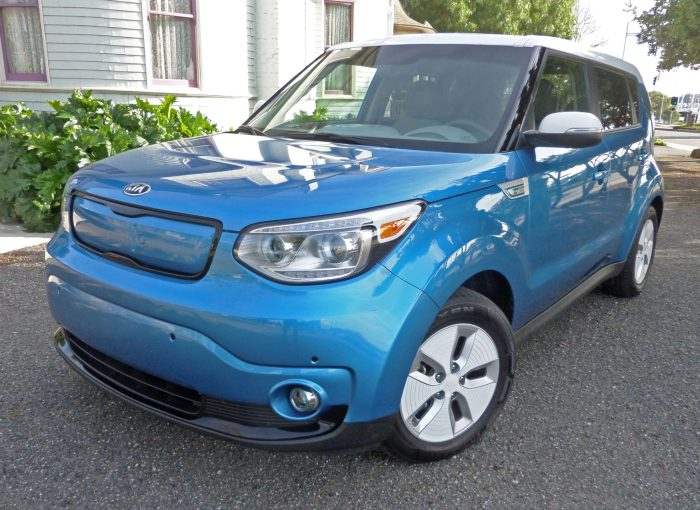2015 kia soul ev test drive our auto expert. Black Bedroom Furniture Sets. Home Design Ideas