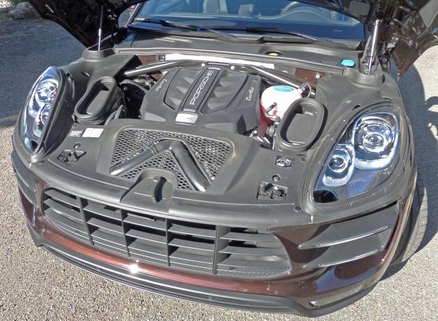 Porsche Macan Turbo Eng