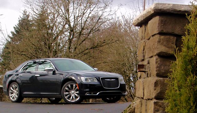 2015 Chrysler 300 frontq