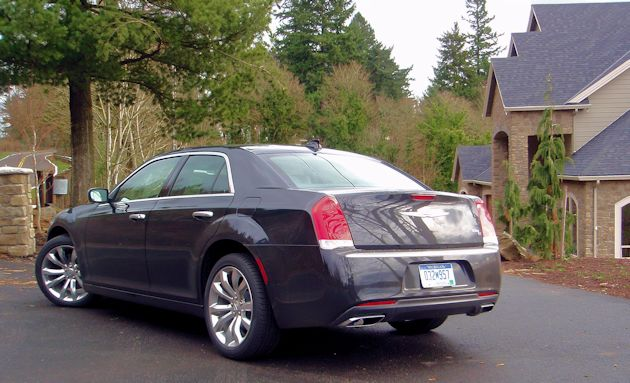 2015 Chrysler 300 rear
