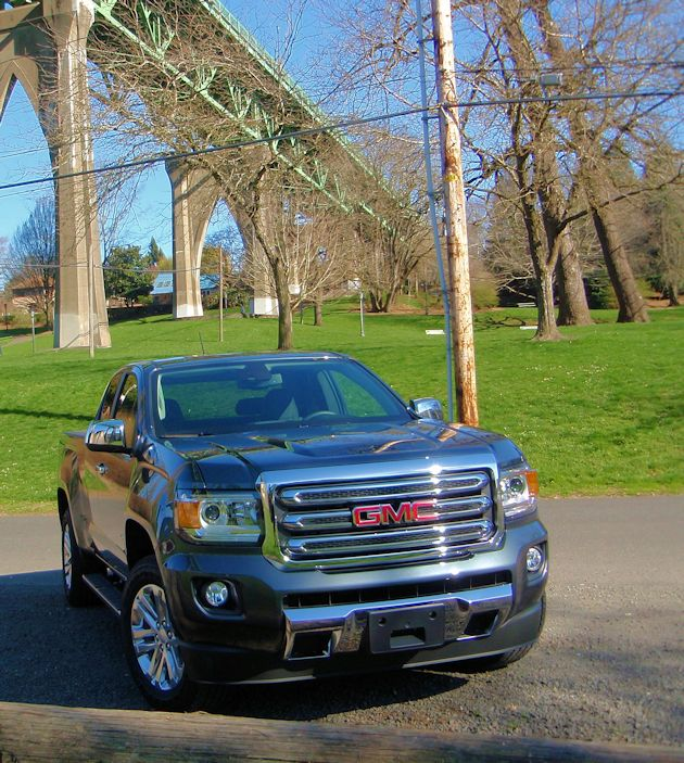 2015 GMC Canyon front
