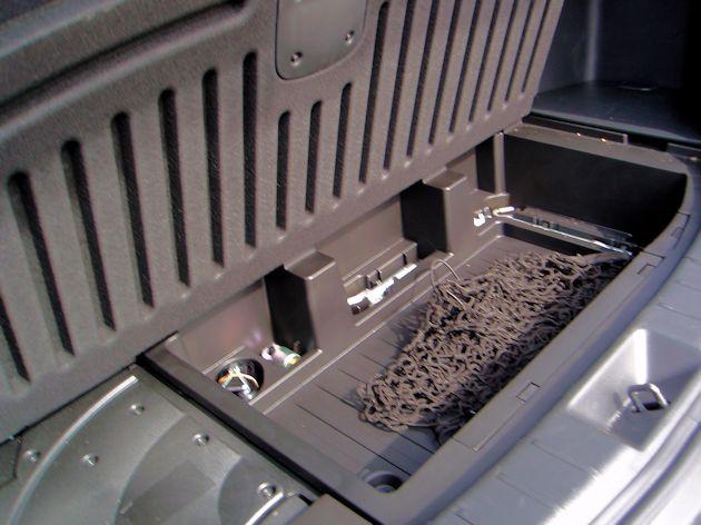 2015 Mazda CX-9 under cargo floor