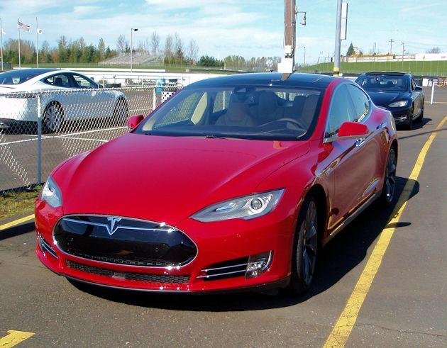 2015 Tesla S P85D front