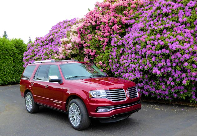 2015 Lincoln Navigator front q