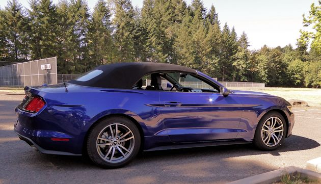 2015 Ford Mustang top up