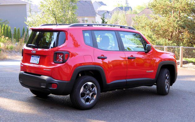 2015 Jeep Renegade rear q