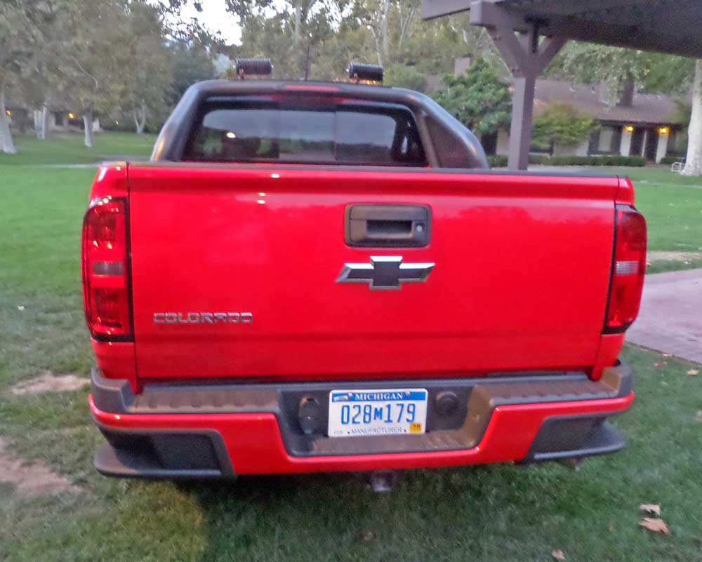 2016 chevrolet colorado diesel test drive our auto expert. Black Bedroom Furniture Sets. Home Design Ideas