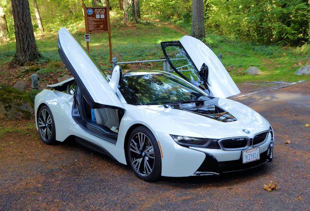 2016 BMW i8 doors open