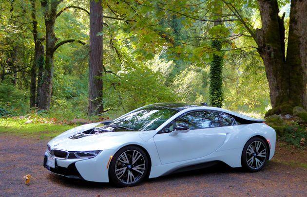 2016 BMW i8 front q