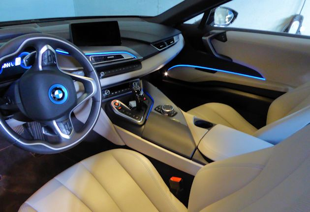 2016 BMW i8 interior accent lighting