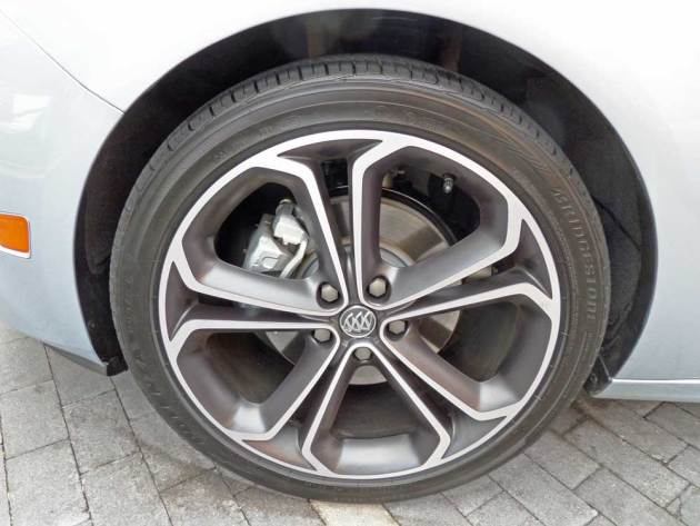 Buick-Cascada-Whl