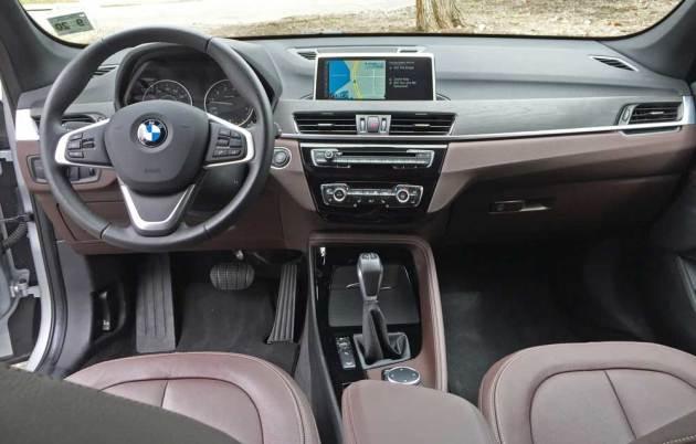 BMW-X1-28i-Dsh