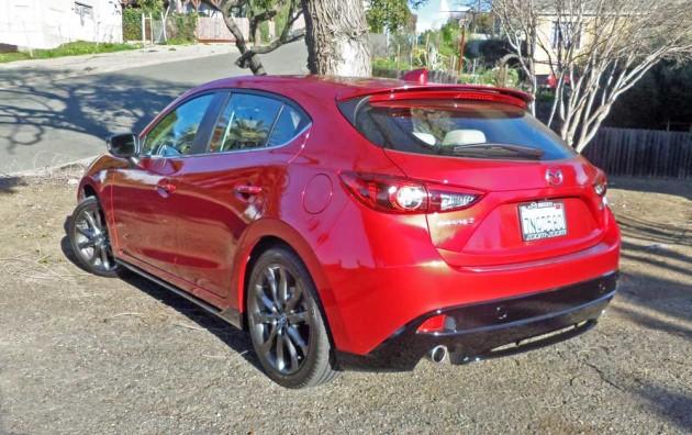 Mazda3-s-GT-LSR