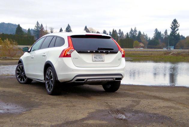 2016 Volvo V60 side (2)