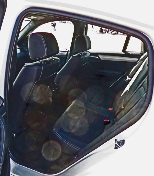 BMW-X4-M40i-RInt