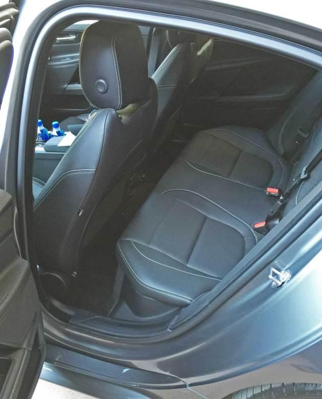 Jaguar-XE-Sdn-RInt