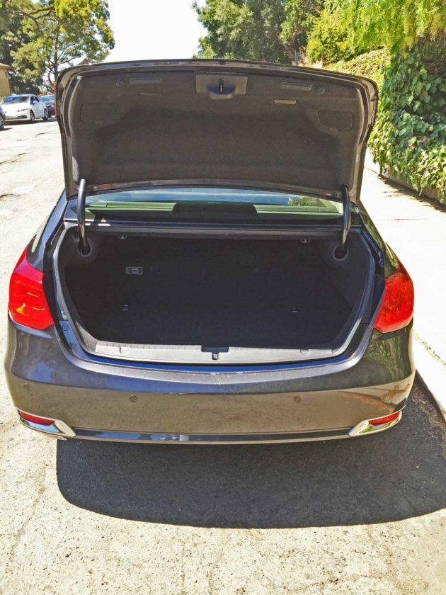 Acura-RLX-Sport-Hybrid-Trnk