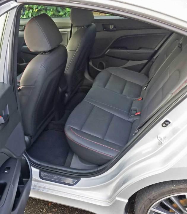 Hyundai-Elantra-Sport-RInt