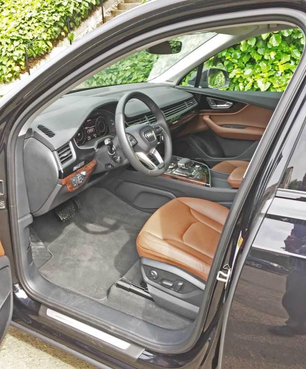 Audi-Q7-3.0T-Int