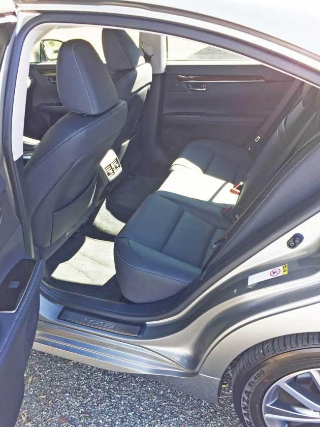 Lexus-ES-300h-RInt