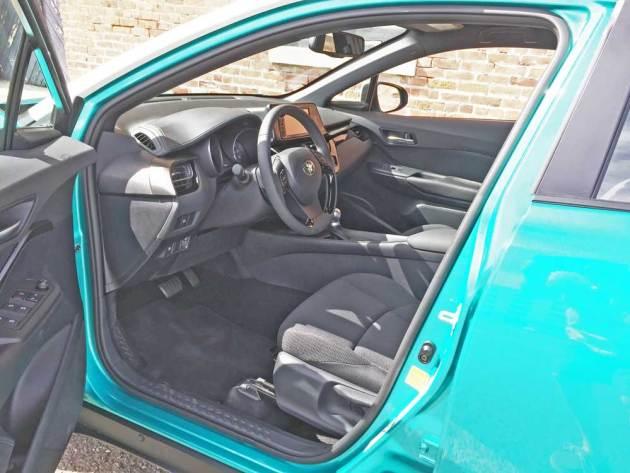 Toyota-C-HR-Int