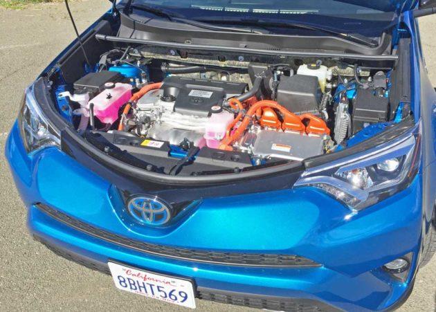 Toyota-RAV4-Hybrid-Eng