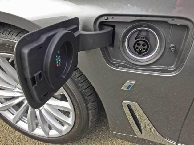 BMW-740e-xDrive-Plug-in