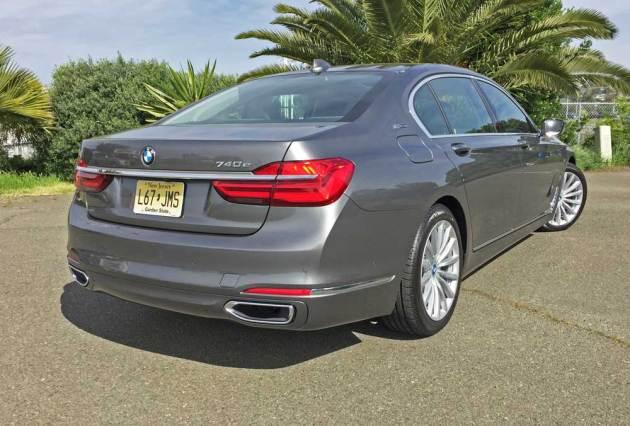 BMW-740e-xDrive-RSR