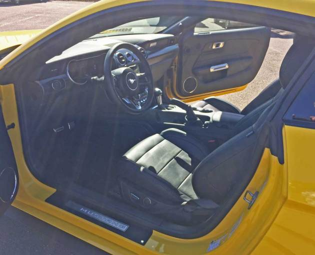 Ford-Mustang-EcoBoost-Cpe-Int