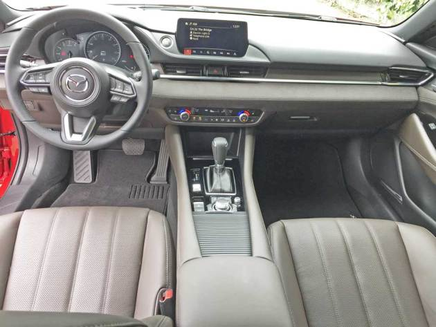 Mazda6-Signature-Dsh