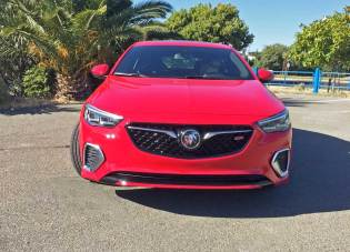 2018 Buick Regal GS AWD Test Drive