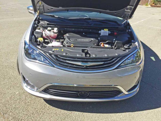 Chrysler-Pacifica-Hybrid-Eng