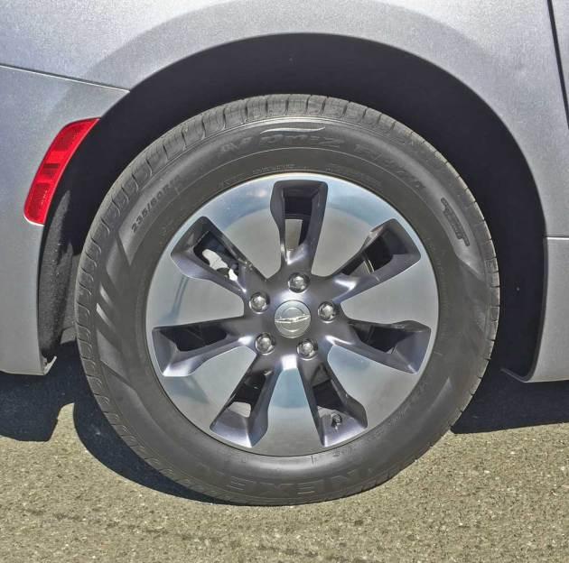 Chrysler-Pacifica-Hybrid-Whl