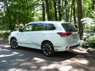 2018 Mitsubishi Outlander PHEV Test Drive