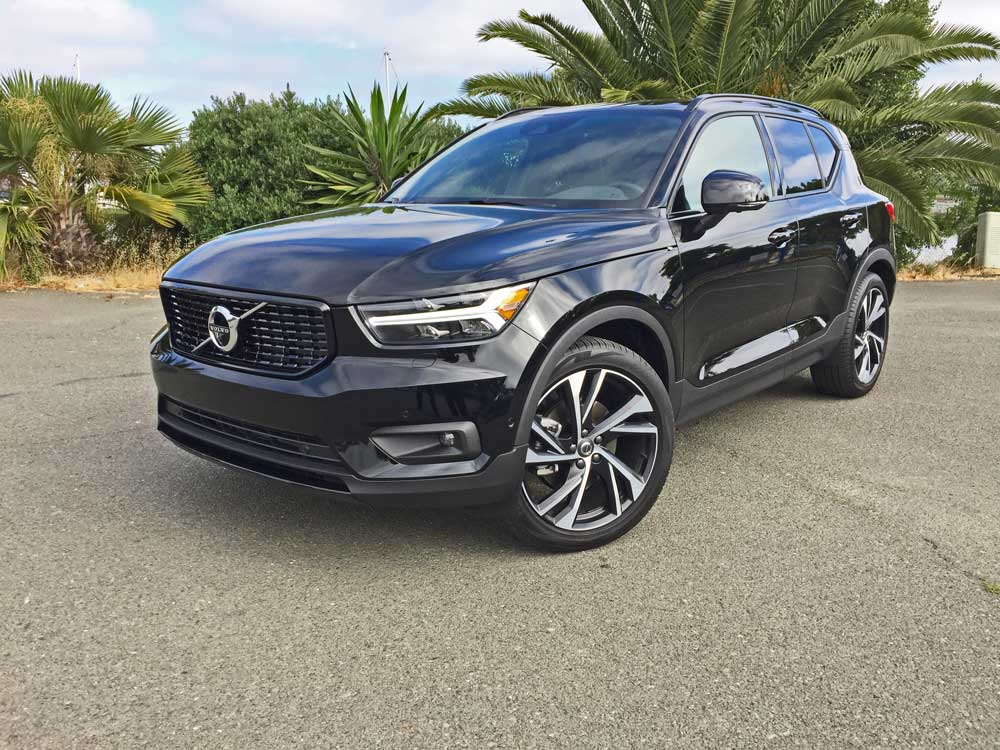 2018 volvo xc40 t5 r design test drive our auto expert. Black Bedroom Furniture Sets. Home Design Ideas