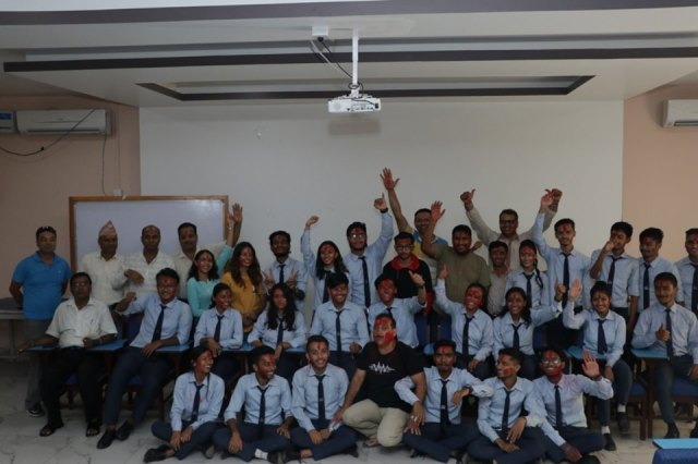विराटनगरको हिमालय दर्शन कलेजद्धारा उत्कृष्ट अंक ल्याउने विद्यार्थीलाई सम्मान