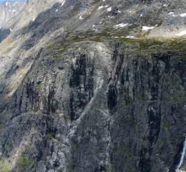 Hang on - Trollstigen plateau