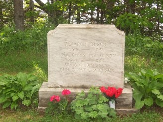Alvaro and Christina Olson's headstone
