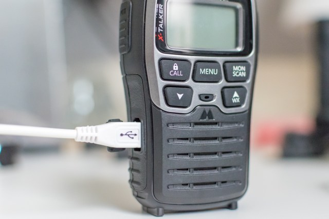 Midlands X-Talker T71 radio charging with USB cable