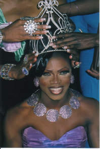 Chanel Devine Sherrington being crowned Miss Duval Newcomer 2004