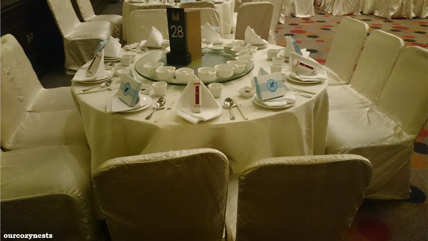 banquet chair covers singapore used stackable chairs orchard hotel wedding review ourcozynests
