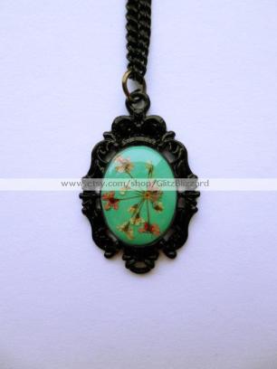 Glitz Blizzard floral necklace 2