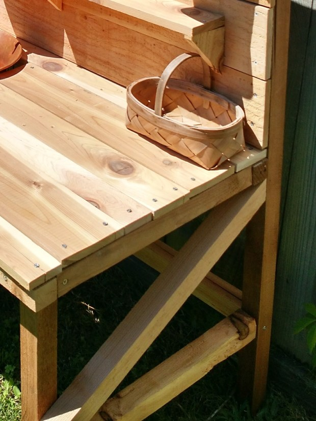 garden_table_cross_beams