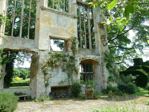 Sudeley Castle ruined wing - Oliver Cromwell ordered it be slighted!