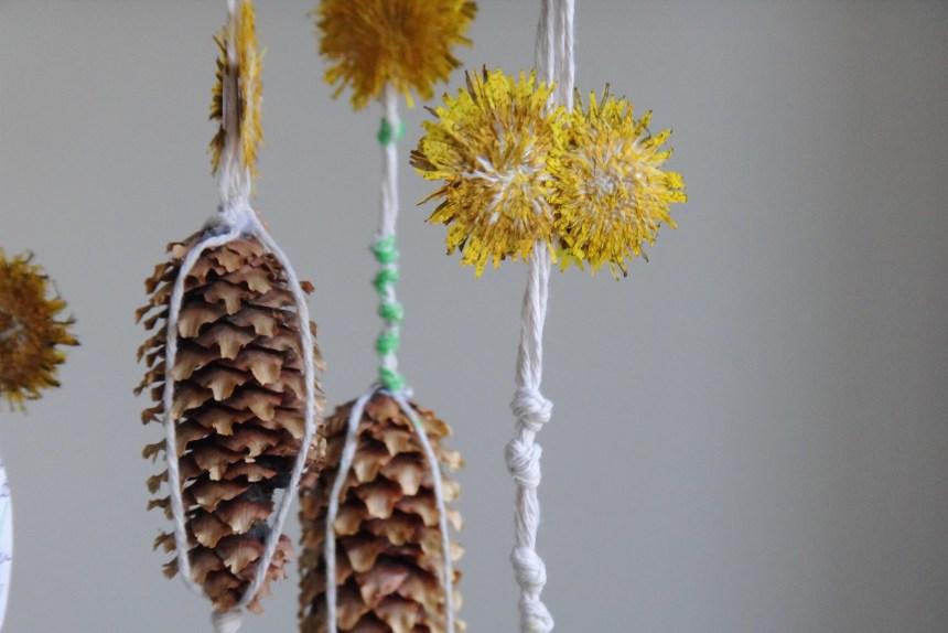 DIY Nature Inspired Dandelion Mobile (13)