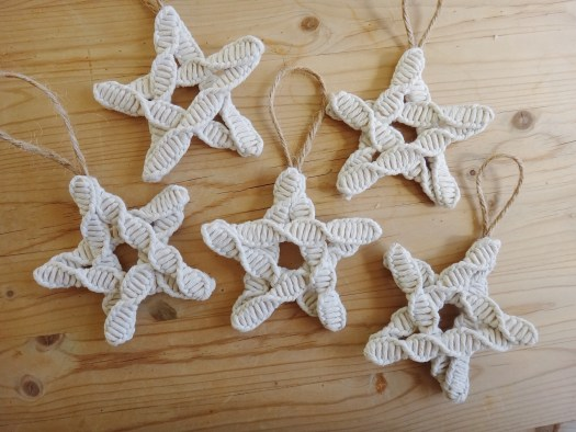 DIY Christmas Ornaments Nature Macrame Inspired (26)