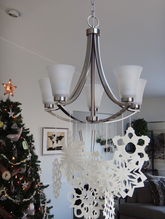 DIY Paper Snowflake Chandelier Winter Wonderland